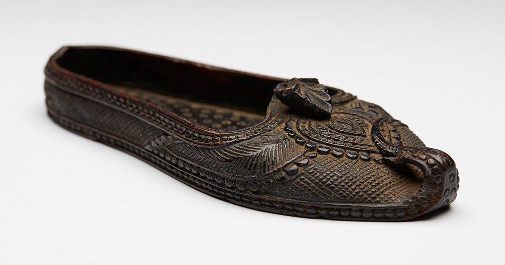 antiche scarpe dell asia india